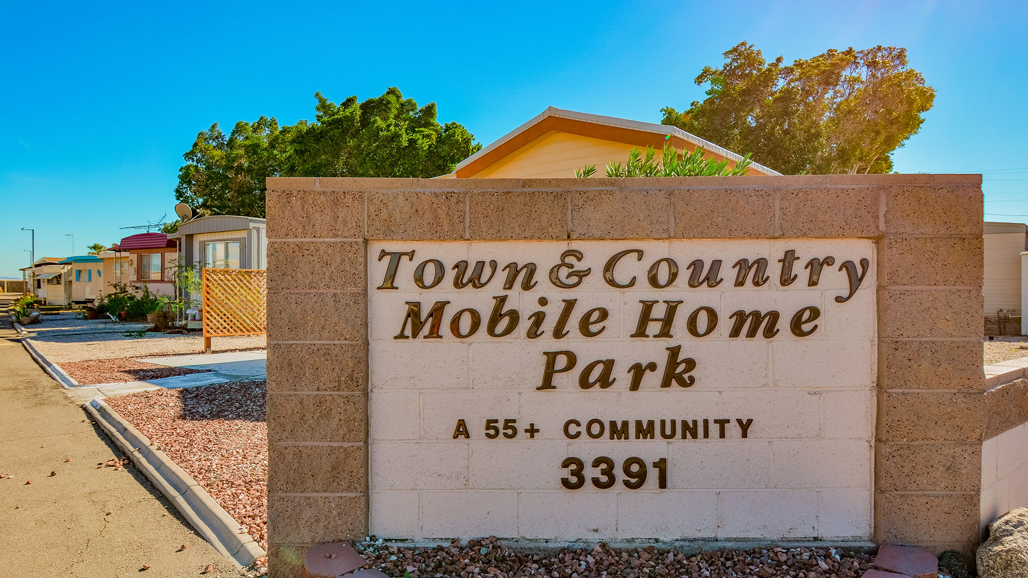 Town-and-Country-Mobile-Home-Park-03